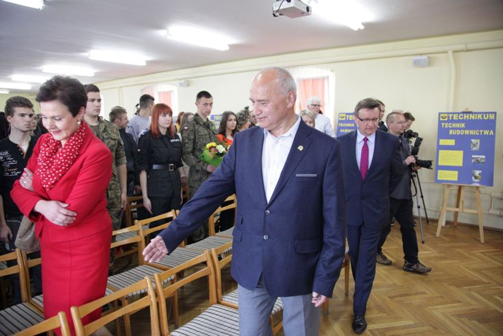 Przeglądasz zdjęcia z artykułu: Wizyta Ministra Edukacji Narodowej w ZSiPKZ w Bielawie - galeria 1