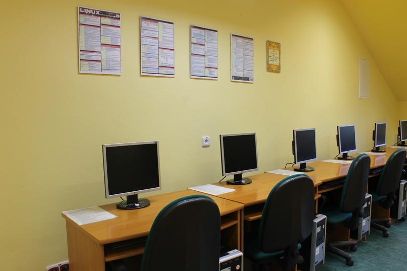 Przeglądasz zdjęcia z artykułu: Pracownia komputerowa 309